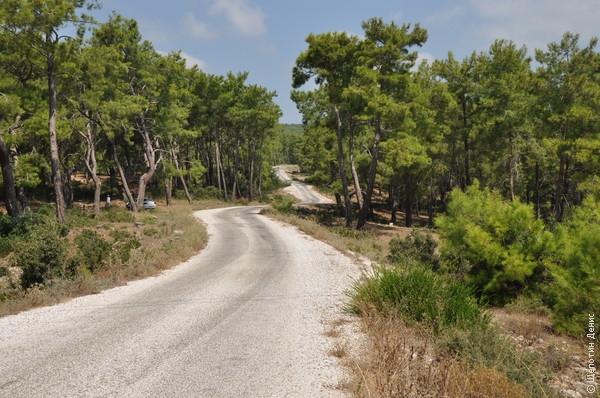 Развалины Селевкии находятся в горах. И чем ближе, тем живописнее становится дорога