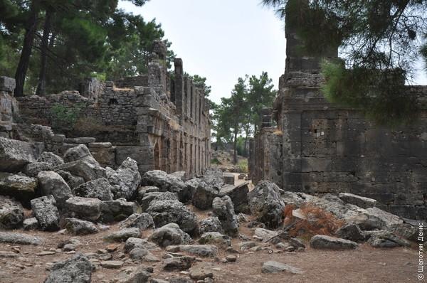 Античные развалины Селевкии определенно самые живописные из всех виденных мною