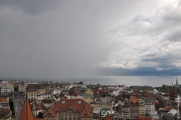 По Женевскому озеру идет дождевой фронт