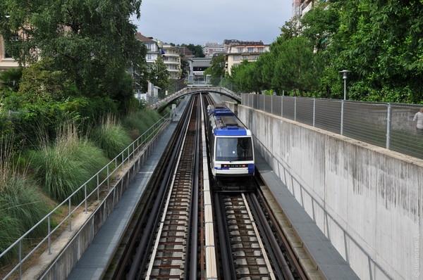 Местная достопримечательность - линия метро, построенная на месте бывшего фуникулера