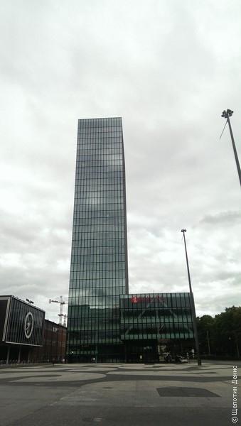 Messeturm - до 2010 года самый большой небоскреб не только Базеля, но и всей Швейцарии