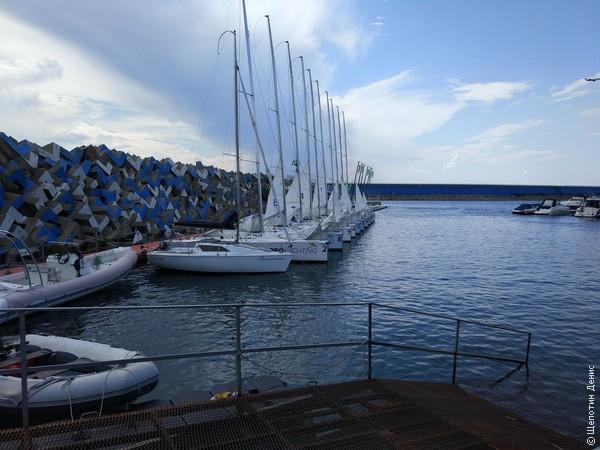 В один из дней в качестве отдыха от всех бизнес-игр и тренингов была запланирована регата на спортивных лодках